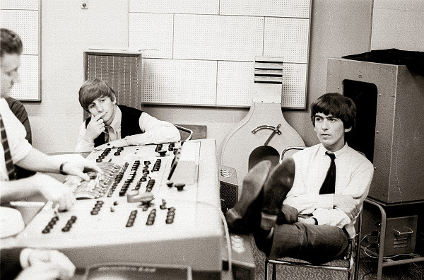 R9-Beatles-AbbeyRoadStudios